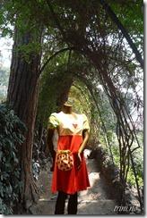 """Denne søte kjolen fra Siris design fikk en """"høstreise"""" til Barcelona - her i Guell Parken"""